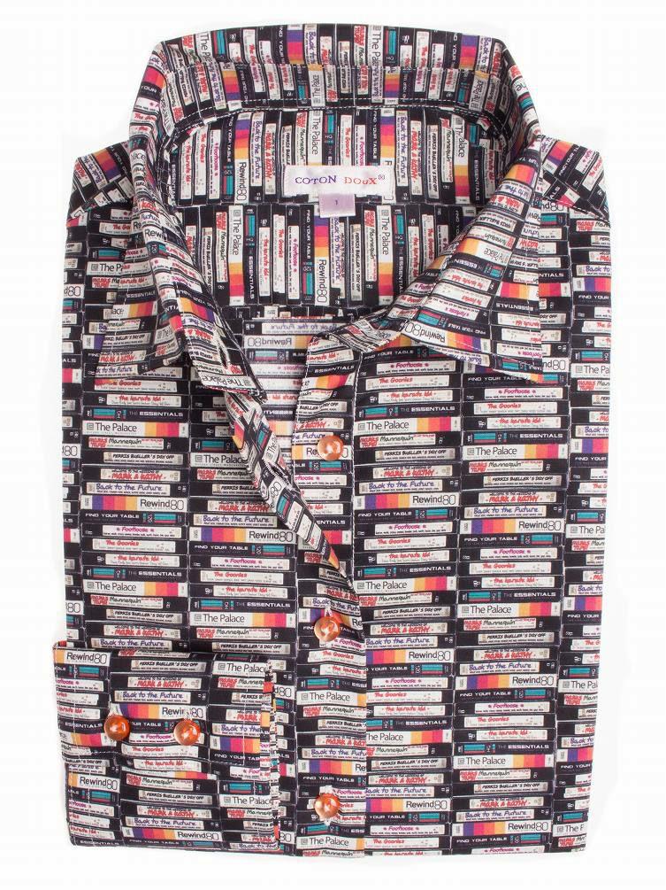 CotonDouxコトンドゥのレトロなビデオテープデザインのレディースシャツ(平置き写真)